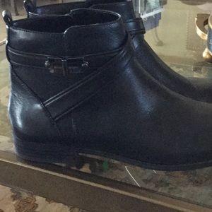 Alex Marie Carlen black boots, 9